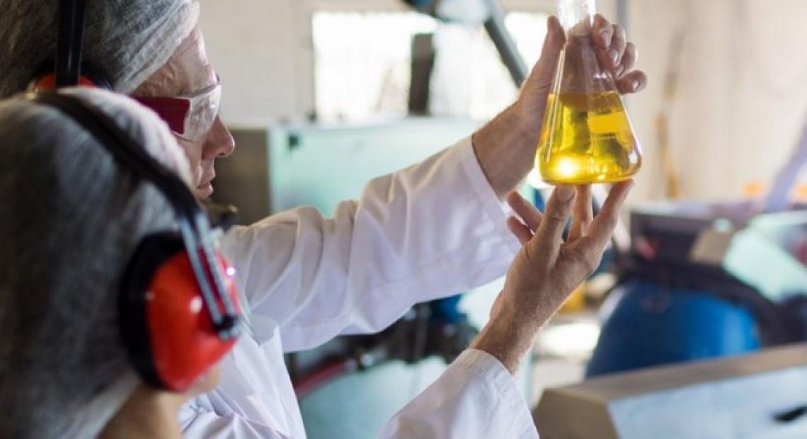 Stop alle analisi dell'olio d'oliva non validate ISO/IEC 17025