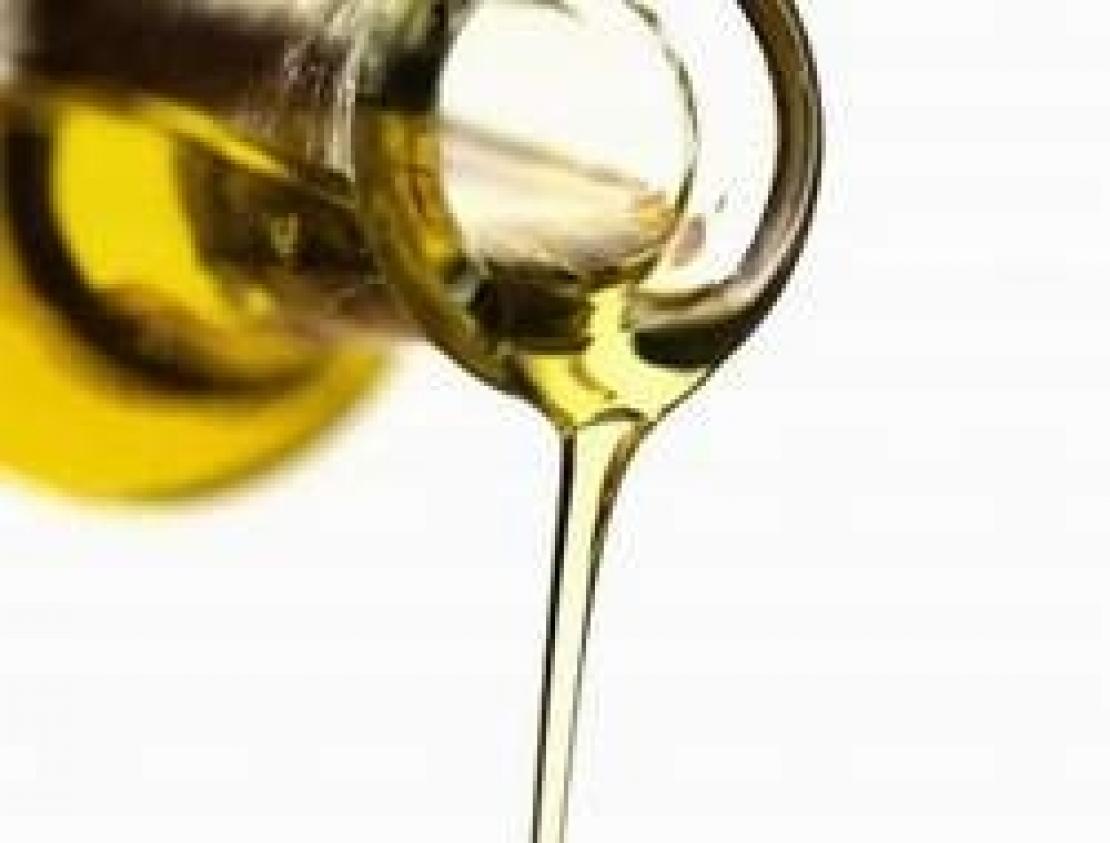 Data di scadenza libera per l'olio extra vergine di oliva. Via il limite massimo dei 18 mesi dall'imbottigliamento
