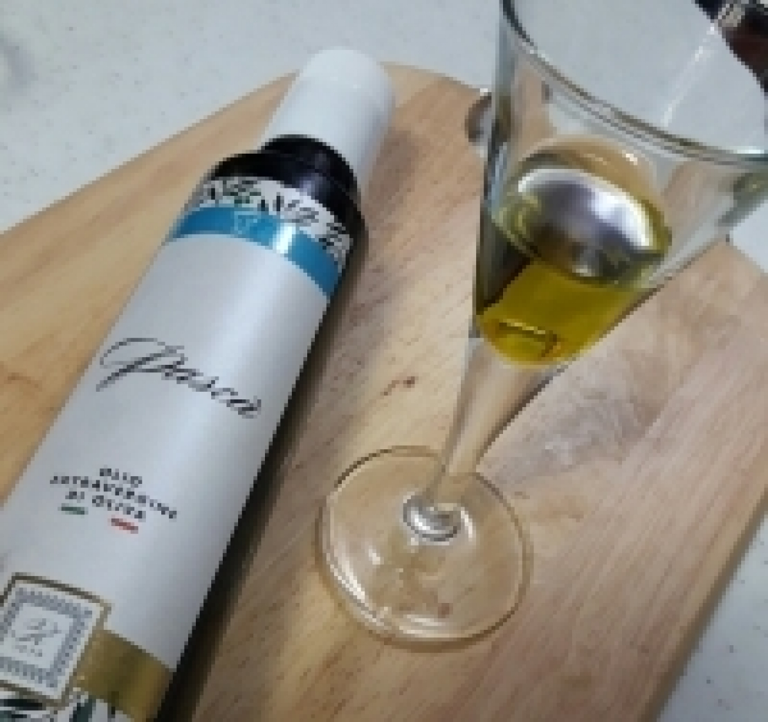 L'olio extra vergine di oliva è prima di tutto una storia di persone