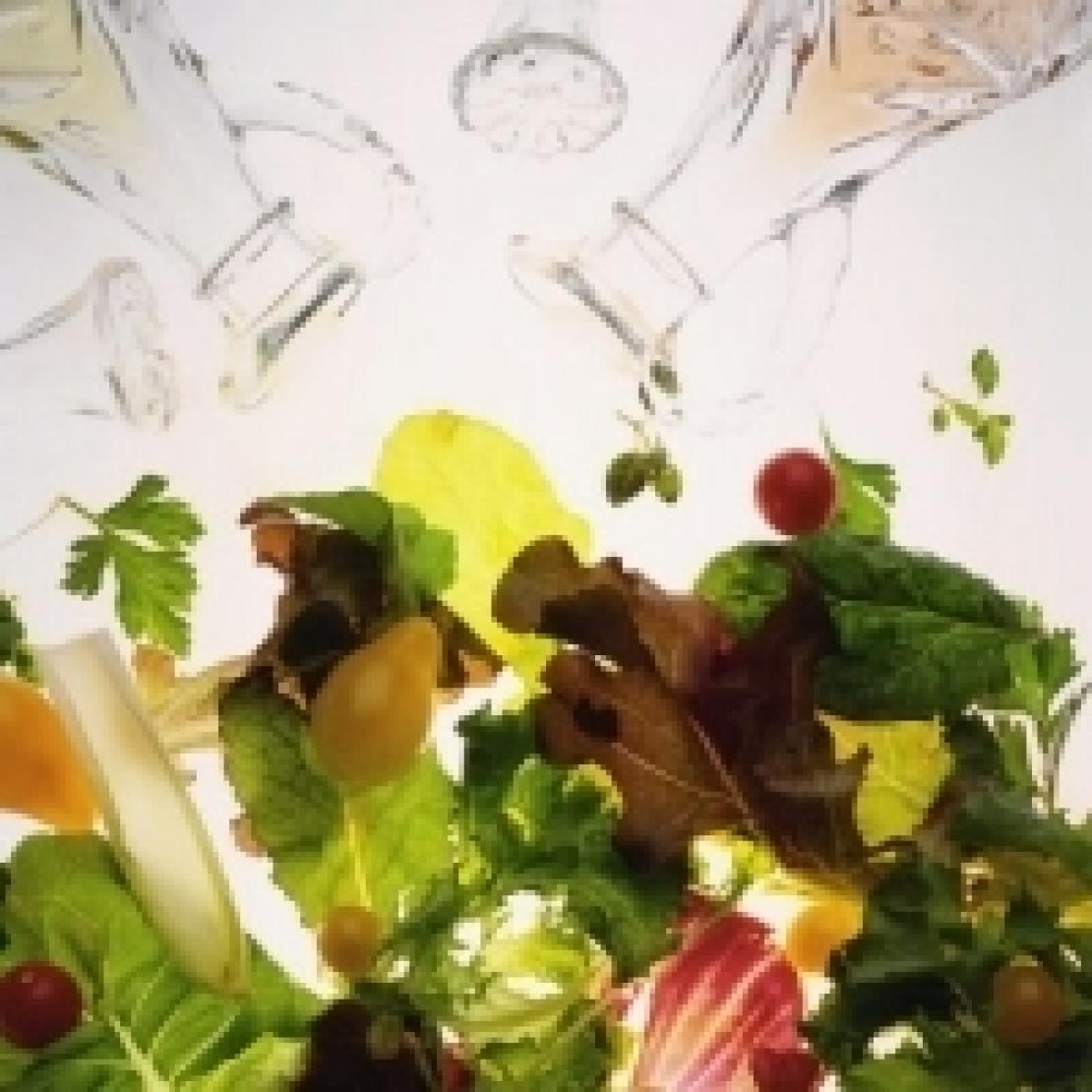 L'olio extra vergine di oliva e l'insalata: un matrimonio d'amore