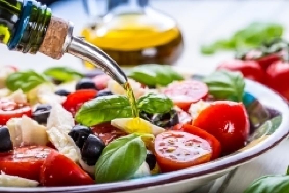I benefici della dieta mediterranea arrivano direttamente nell'intestino