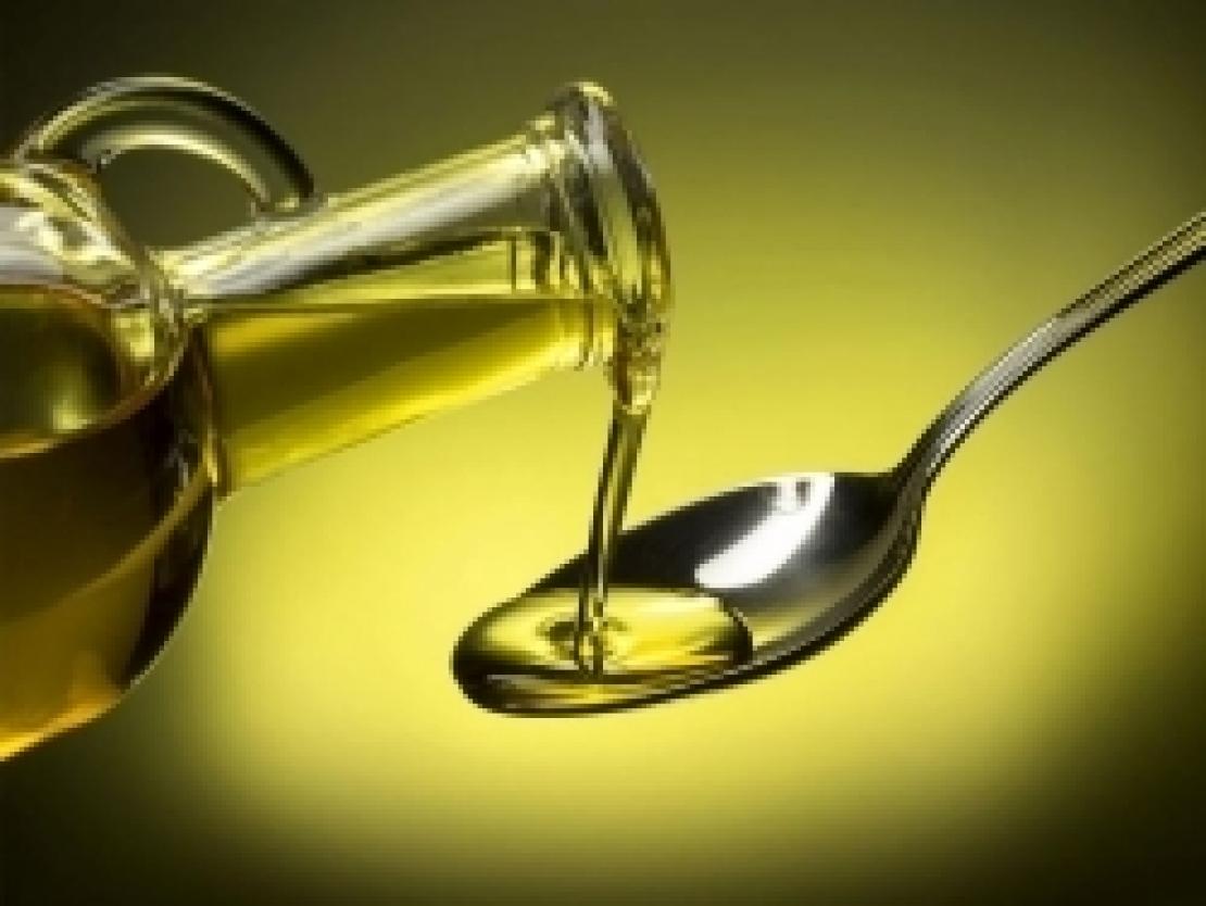Un goccio di olio extra vergine d'oliva per prevenire il rischio di trombo ematico