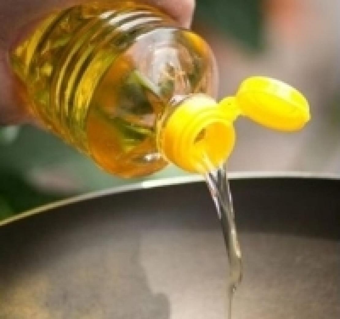 Gli spagnoli non spendono più di tre euro per un litro d'olio