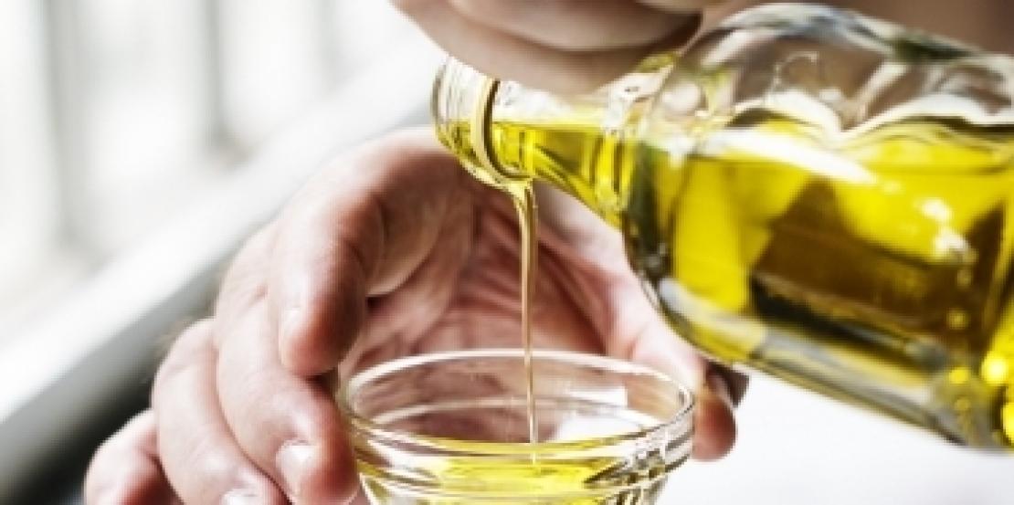 Un consumo moderato di olio extra vergine d'oliva meglio del Viagra