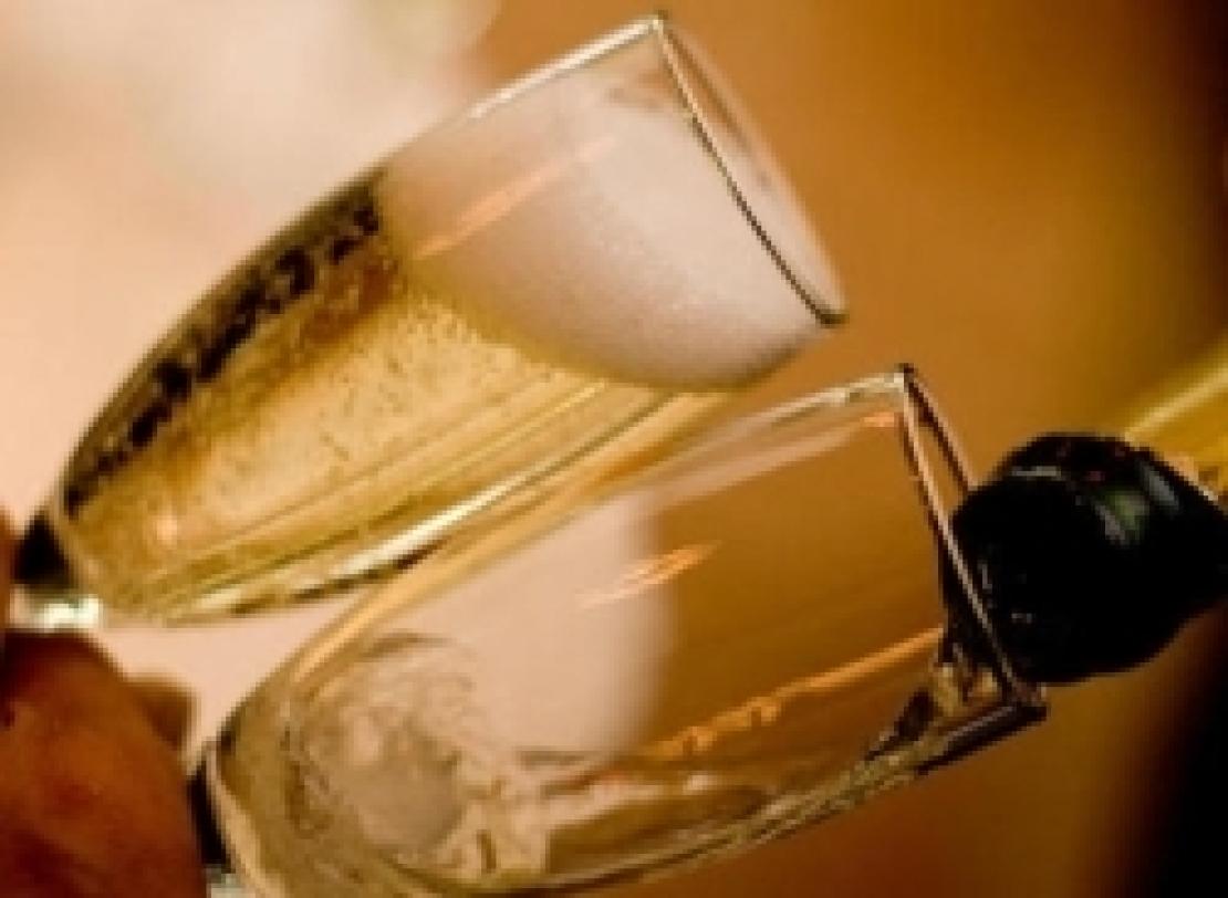In arrivo miliardi di bollicine, si stapperanno quasi 100 milioni di bottiglie per le Feste