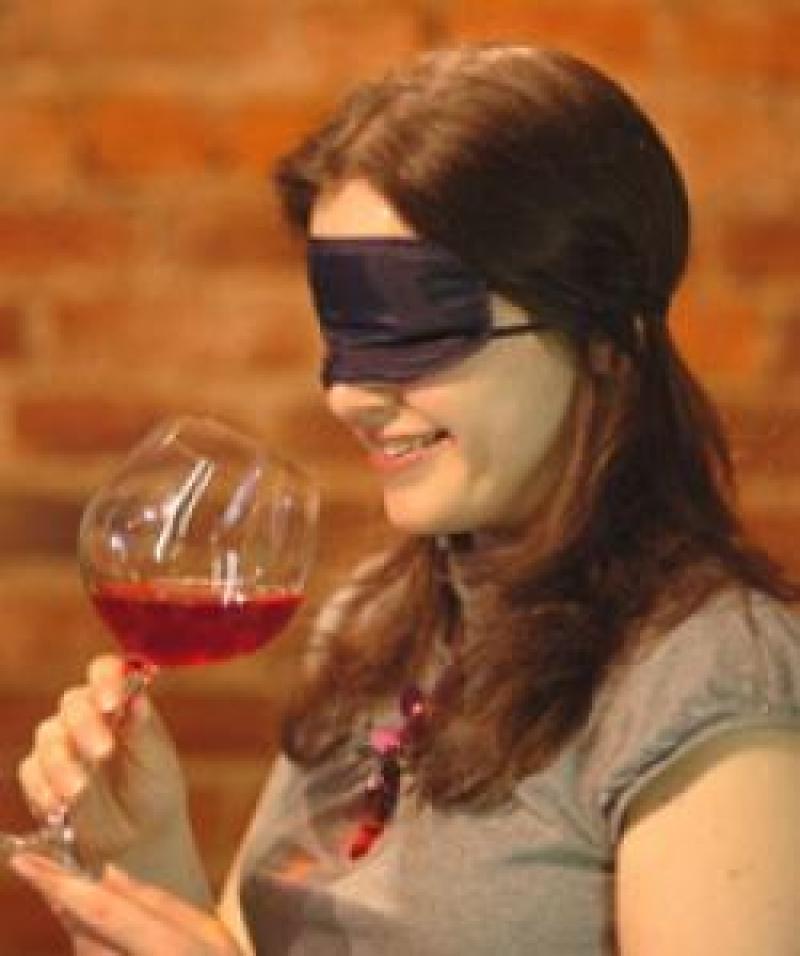 Tovaglia, bicchieri, packaging. Quanto il tatto influenza la percezione del gusto