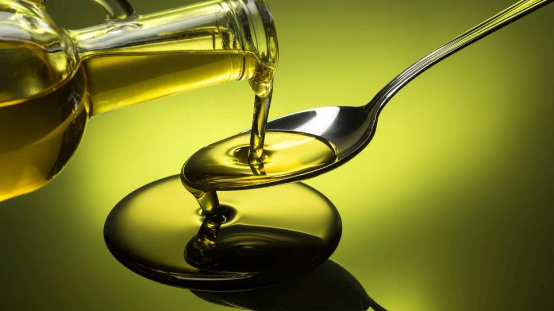 I prezzi dell'olio d'oliva spinti sempre più in basso