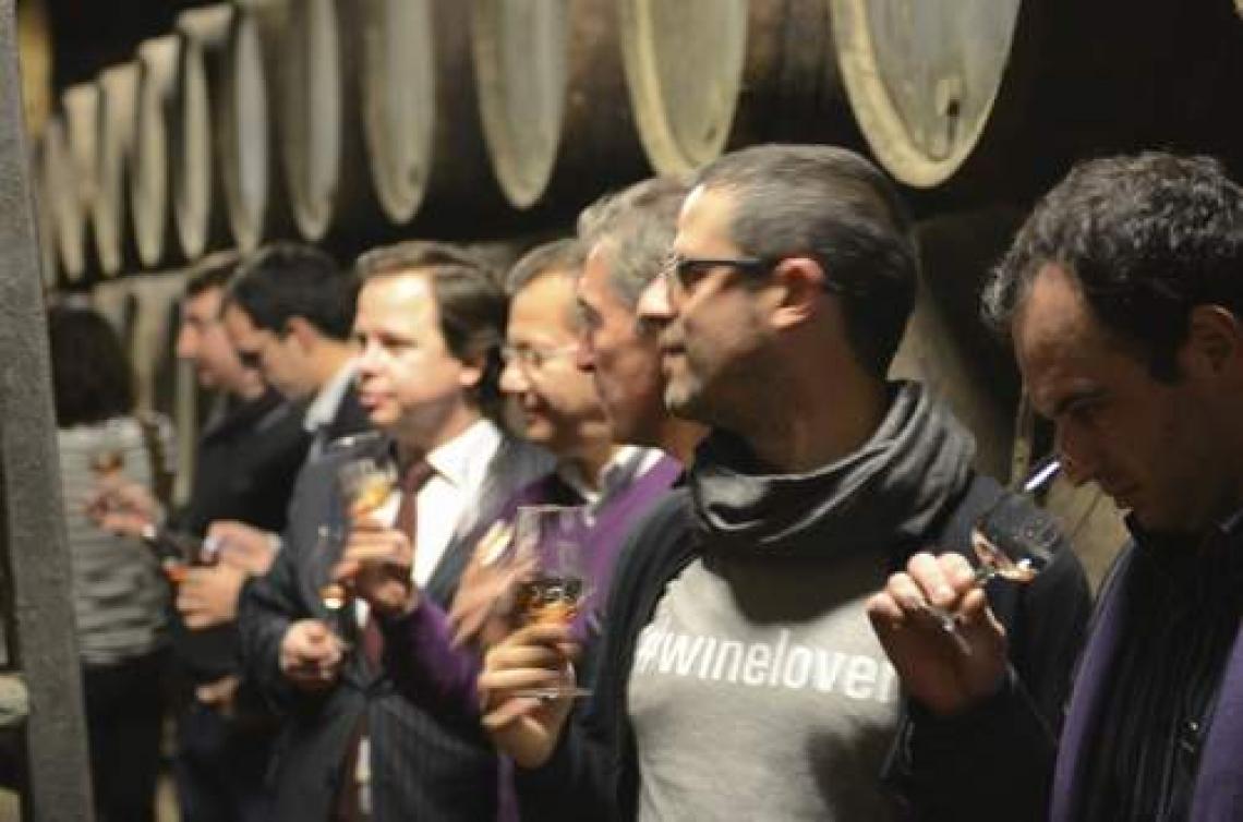 Il turismo del vino sta diventando mordi e fuggi, ma rimane ricco