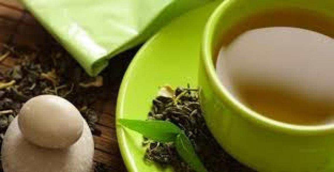 Il tè verde migliora la salute intestinale