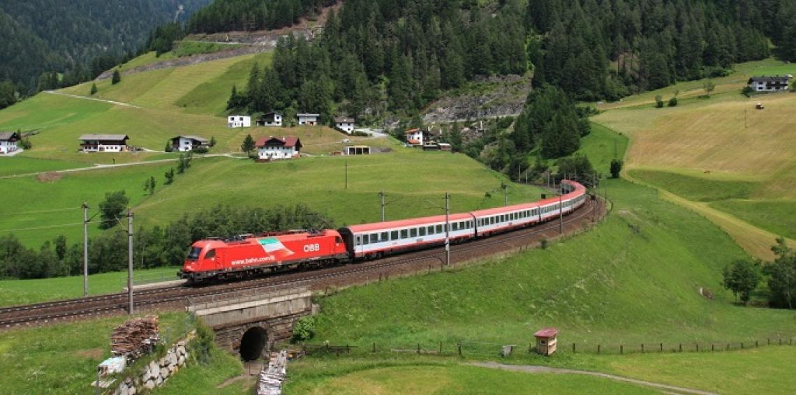Venti itinerari enogastronomici a portata di treno grazie a Trenitalia e Slow Food