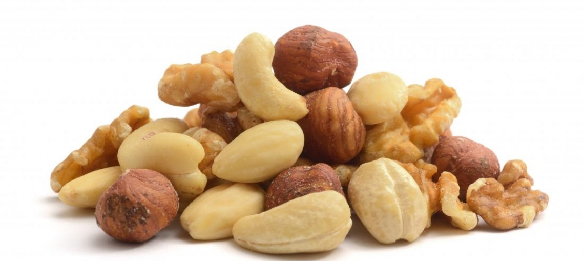 Un po' di frutta secca nella dieta fa bene alla salute