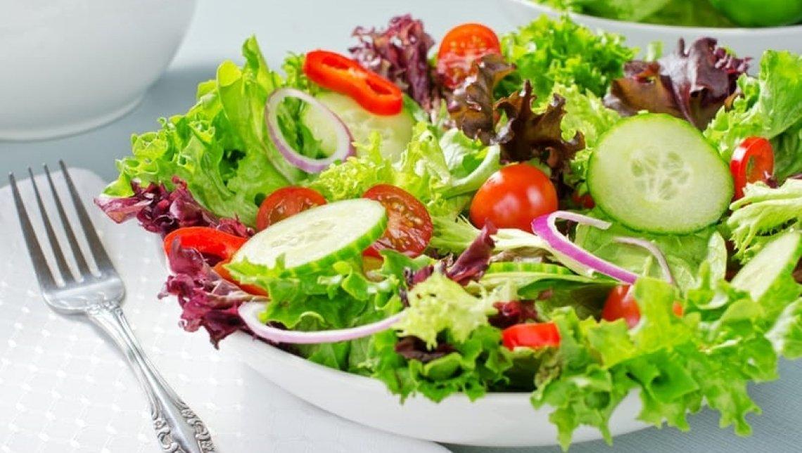 L'insalata senza olio extra vergine d'oliva fa male alla salute