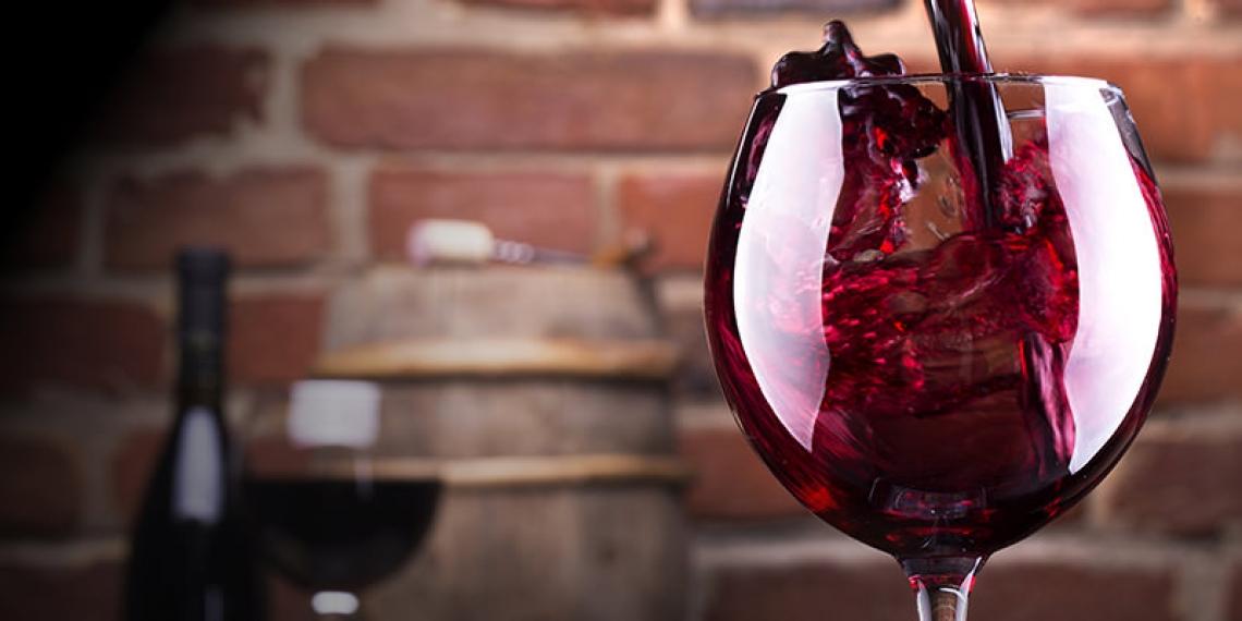 Un consumo di vino, anche saltuario, aiuta a equilibrare il microbioma dell'intestino