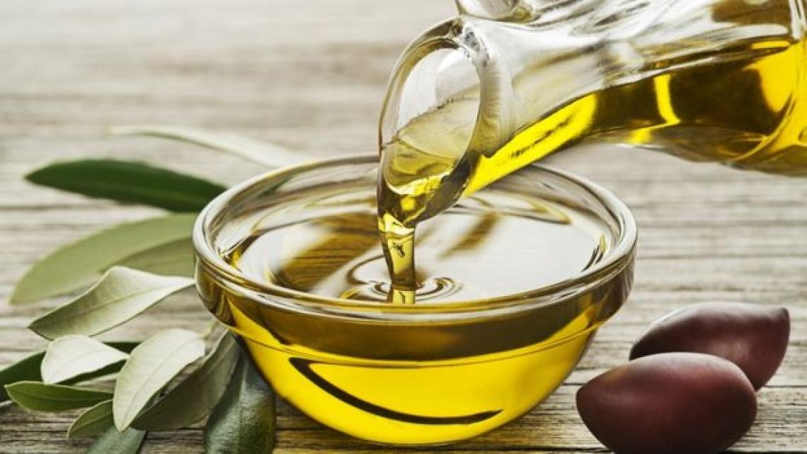 Dieta e salute vanno a braccetto con l'olio extra vergine d'oliva