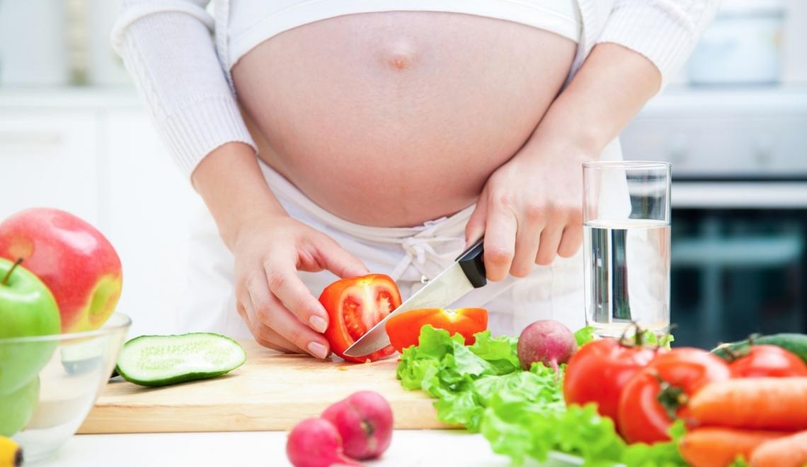 La cattiva dieta delle donne in gravidanza è un danno per il nascituro