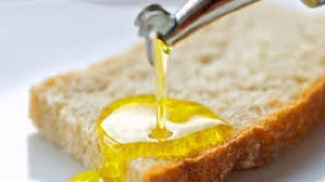 Pane e olio non è solo tradizione ma gusto e cultura