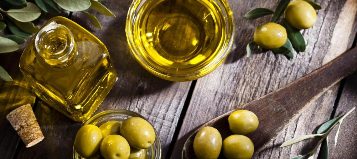 Il binomio olio extra vergine di oliva e salute spiegato agli anglosassoni