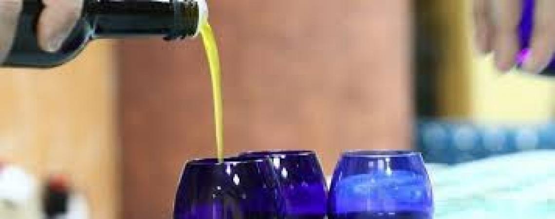 Imparare a potare e assaggiare l'olio d'oliva: due corsi a Perugia