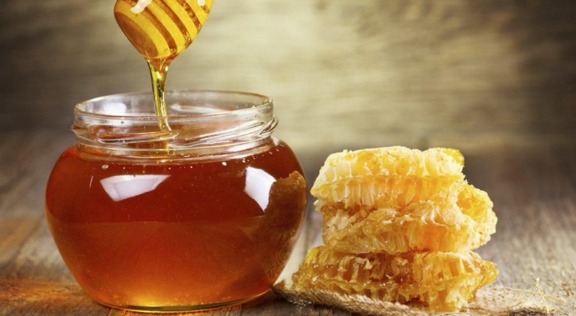 Origine obbligatoria sulle etichette del miele per salvare l'apicoltura europea
