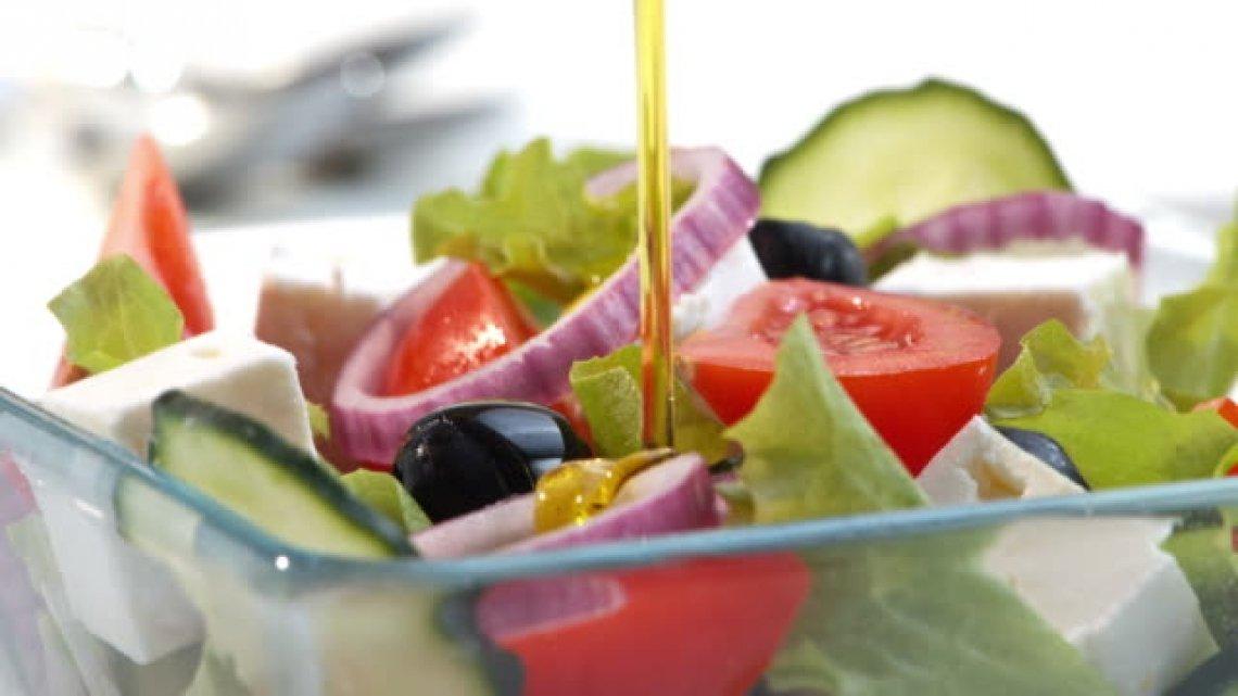 Se il coronavirus vi chiude in casa, salvatevi con l'olio extra vergine di oliva di eccellenza