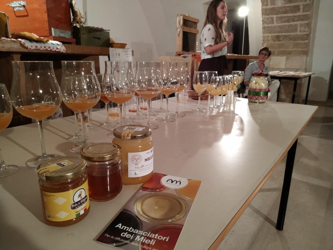 Il miele insegna come valorizzare le peculiarità aromatiche e olfattive del prodotto