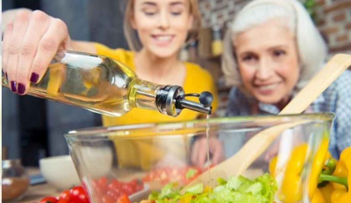 Pochi grammi in più di olio extra vergine di oliva per aiutare il cuore