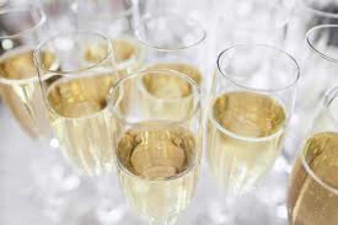Il vino italiano è Prosecco dipendente: si mangia gli altri spumanti Dop