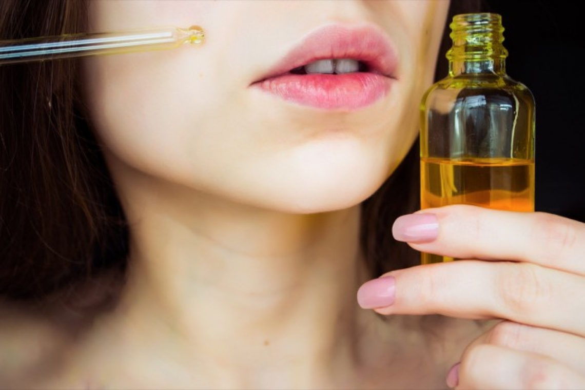 L'utilizzo cosmetico dell'olio extra vergine d'oliva: utilissimo contro l'acne