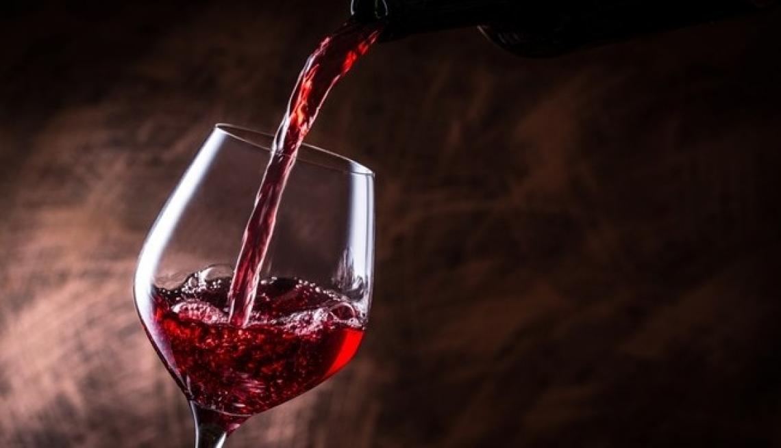 Iva agevolata al 10% per il vino e differimento della fatturazione elettronica