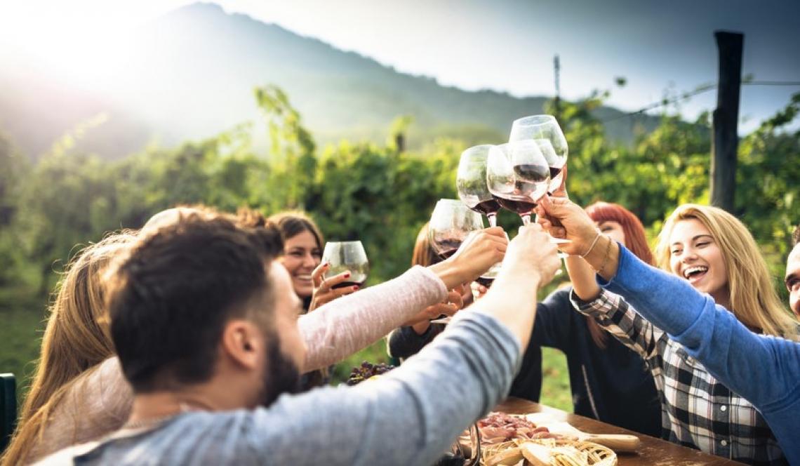La grande occasione dell'Italia del vino tra borghi, vigne e cantine