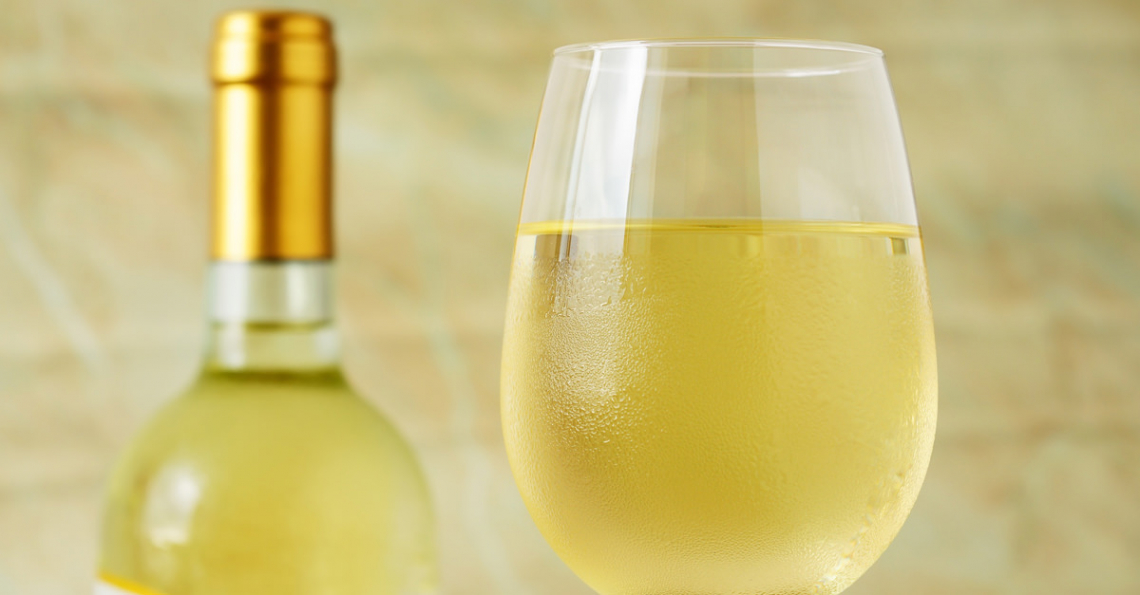 Addio anidride solforosa, per conservare il vino bianco basta l'α-pinene