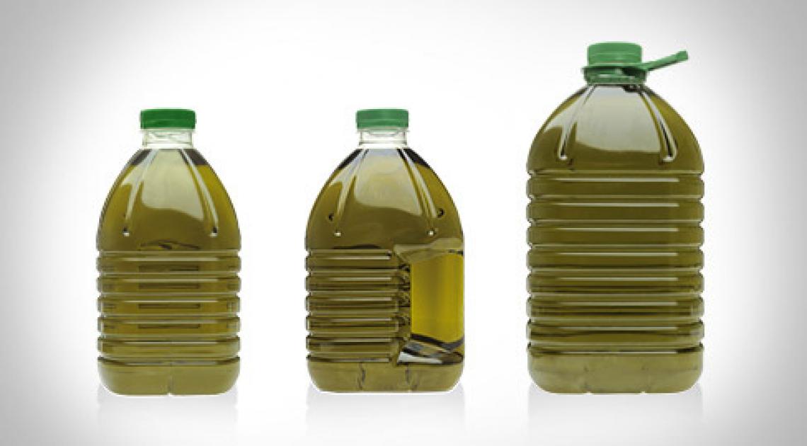 Scatta la protesta contro l'obbligo della bottiglia in vetro per l'olio extra vergine di oliva
