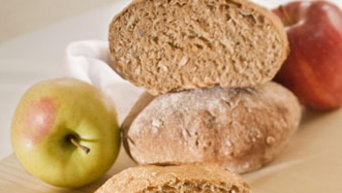 Gli scarti di mela per produrre un pane duraturo e salutare