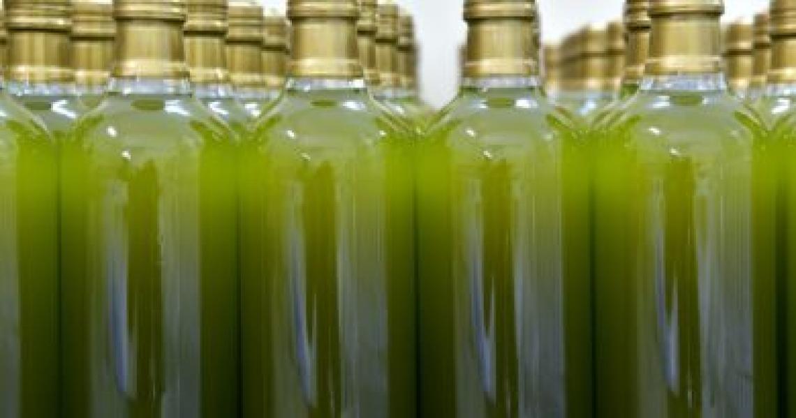 Olio extra vergine di oliva agli indigenti a 2,28 euro/litro e per Agea è tutto in regola