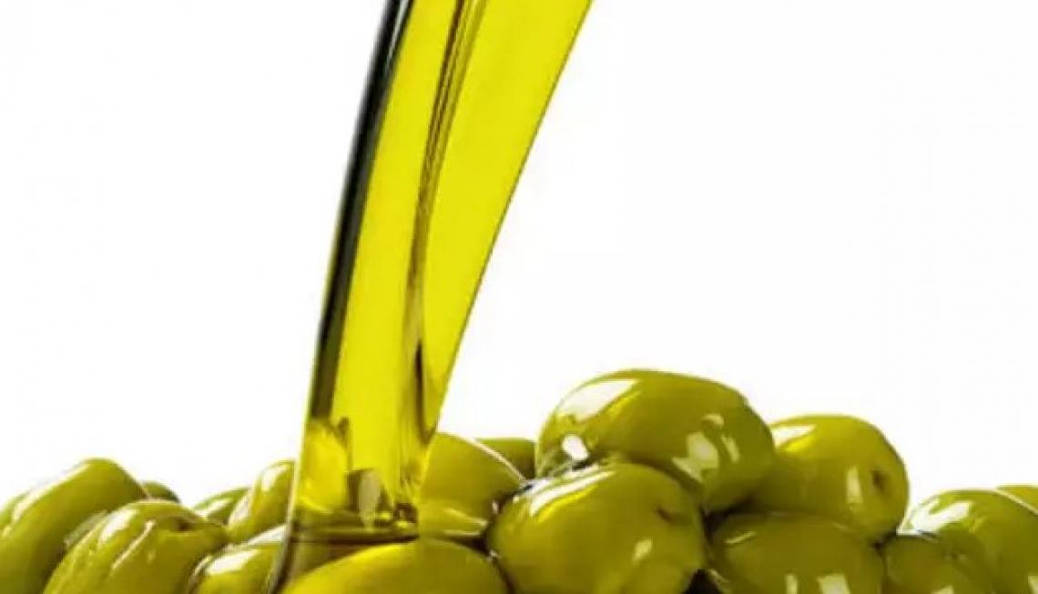 L'olio extra vergine di oliva artigianale di eccellenza ha la sua impronta digitale