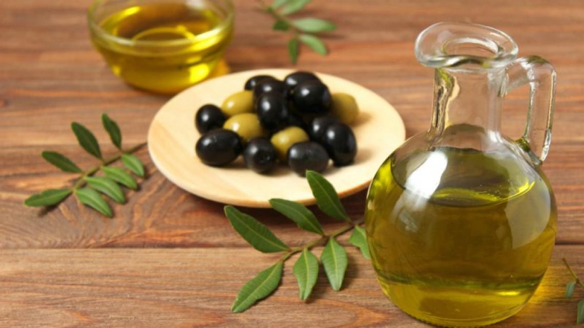 L'olio extra vergine di oliva è un settore resiliente ma crolla il prezzo pagato ai produttori