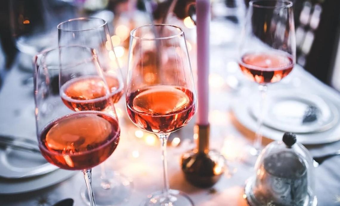 I ristoranti in difficoltà a causa del Covid scelgono i vini sulla base del marchio