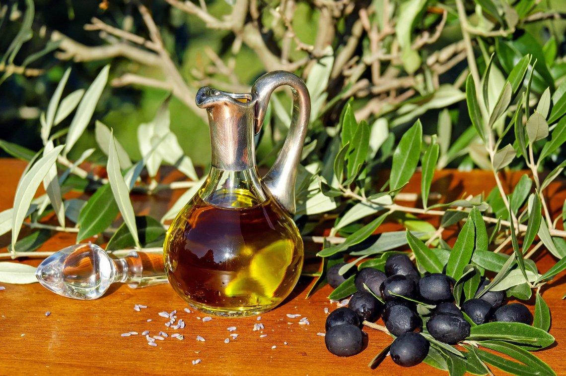Utilizzo dell'olio d'oliva nel trattamento di un'ulcera traumatica nel cavo orale