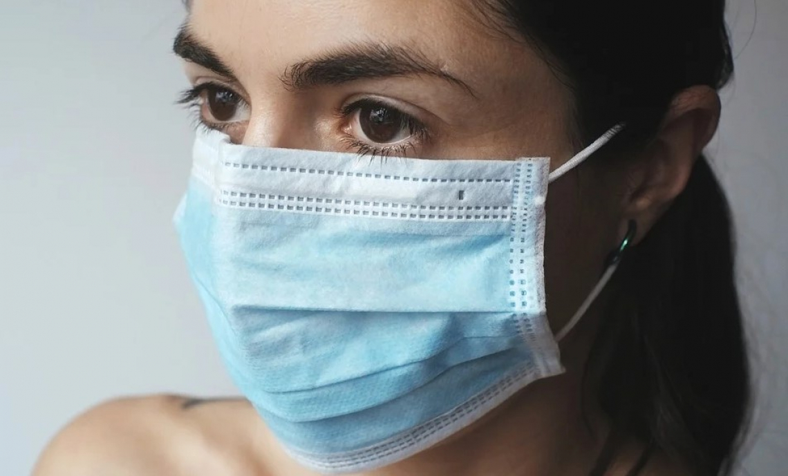 Le mascherine per proteggersi dal Covid potranno essere disinfettate dal sole