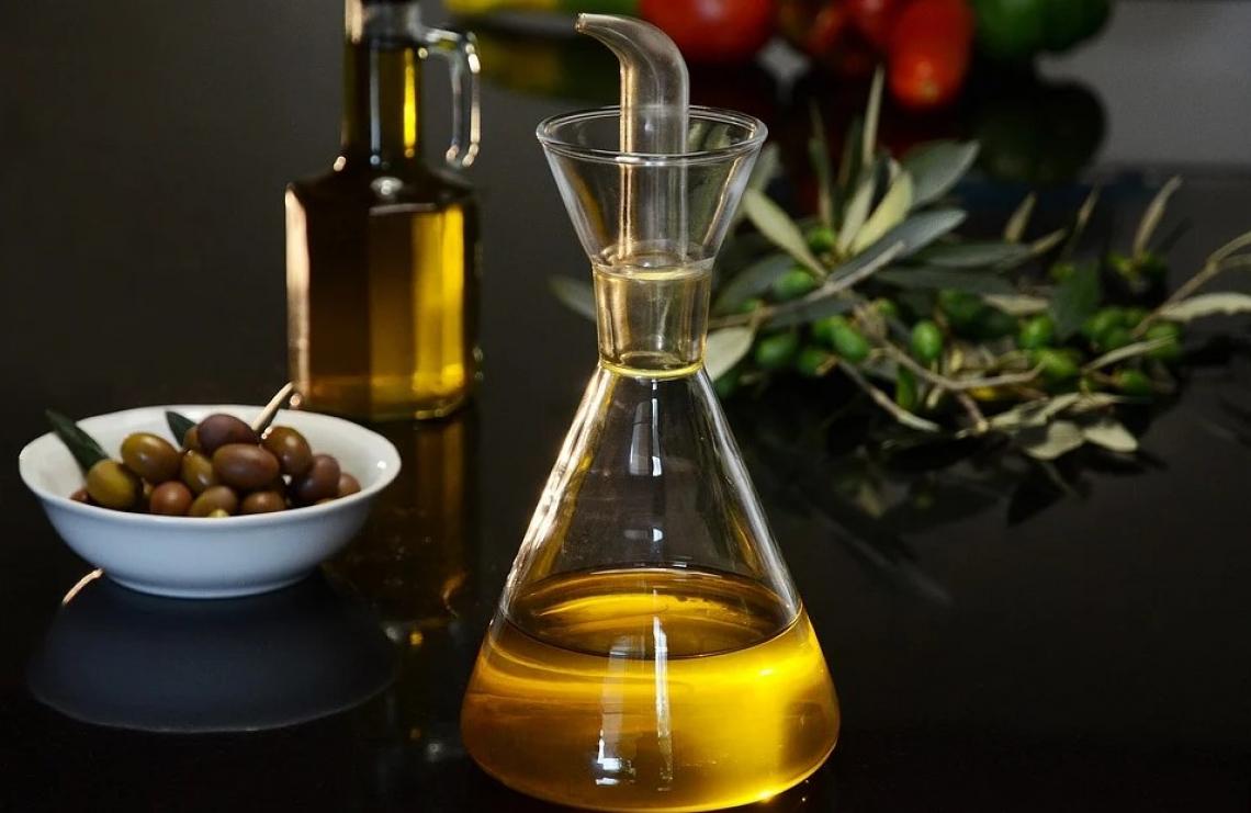 Le grandi virtù dell'olio extra vergine d'oliva contro il declino cognitivo negli anziani