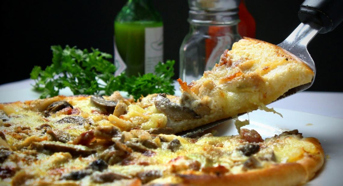 Troppe fake news su social per vini, pasta, olio, pane e dolci