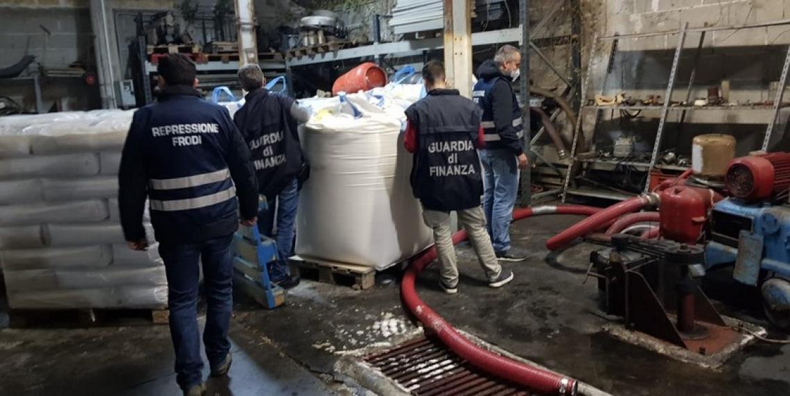 Vino fatto con acqua e zucchero: maxi sequestro in Sicilia
