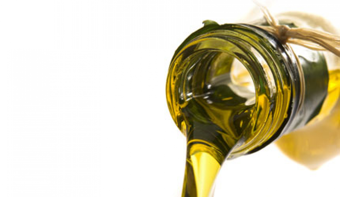 La diminuzione del contenuto totale di fenoli dell'olio extra vergine d'oliva dipende dal profilo fenolico iniziale