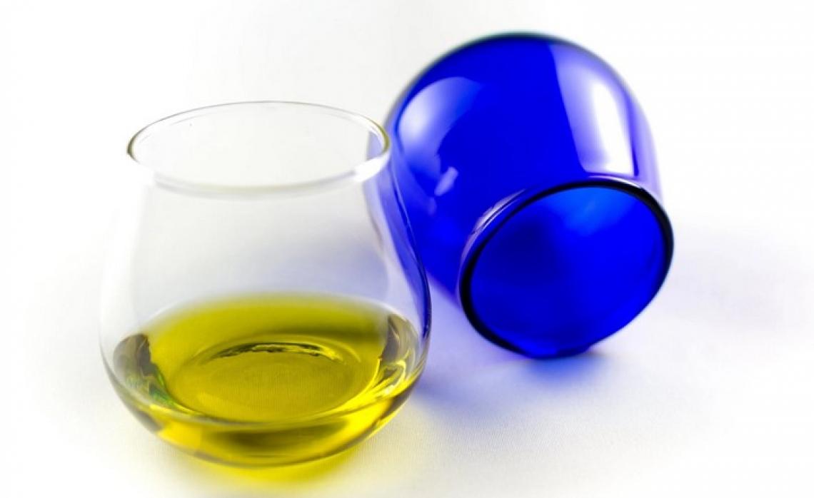 E' l'olio extra vergine d'oliva ad alto contenuto di polifenoli a proteggere il nostro cuore