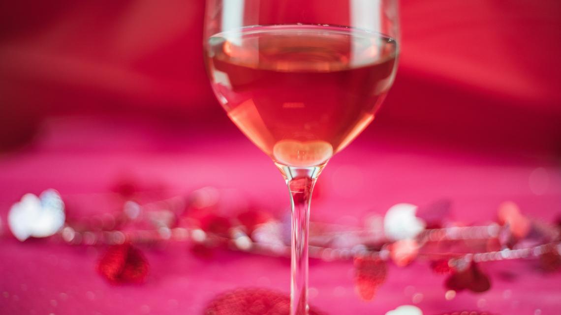 La bottiglia colorata ha effetti protettivi sul vino