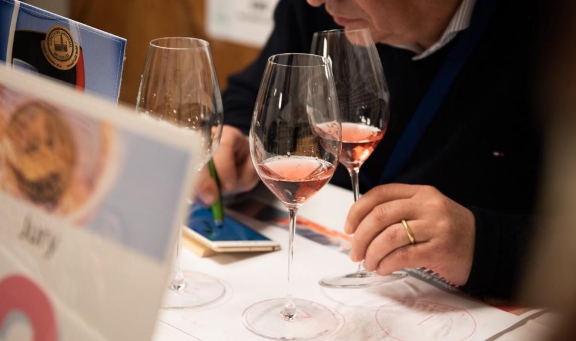 Vino rosato: fashion, versatile e simbolo di convivialità, spopola nel mondo