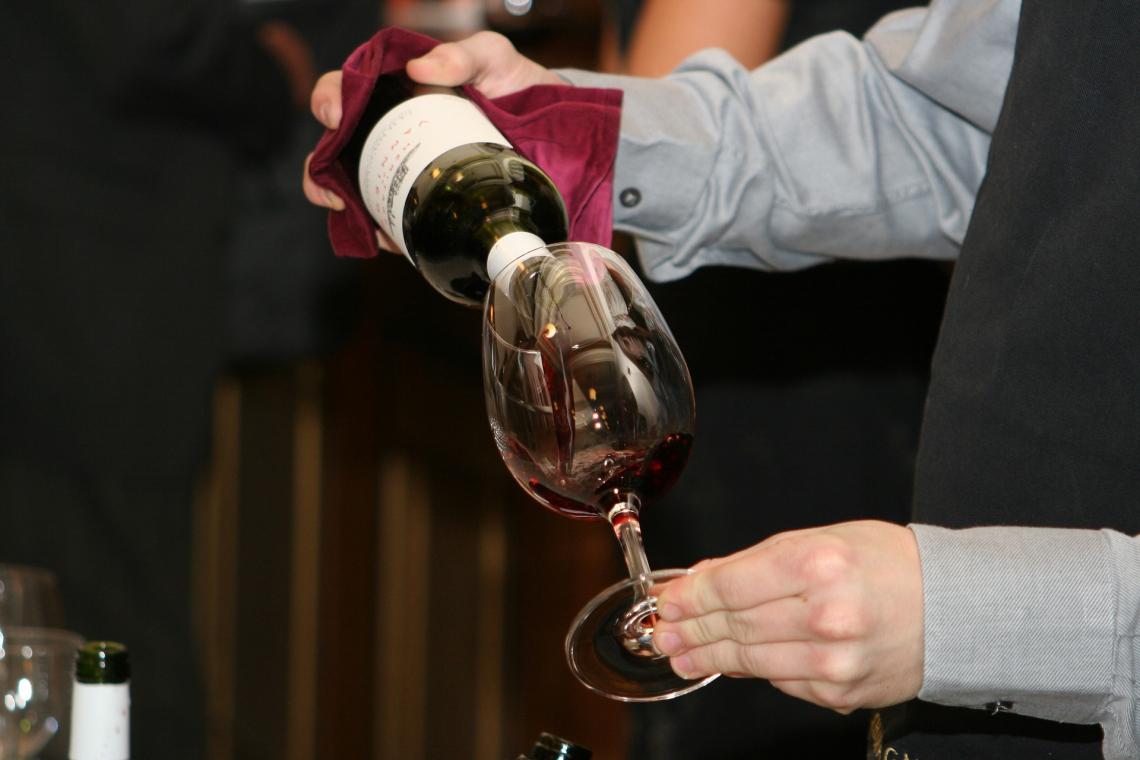 L'età del degustatore influisce sulla percezione dell'aroma del vino