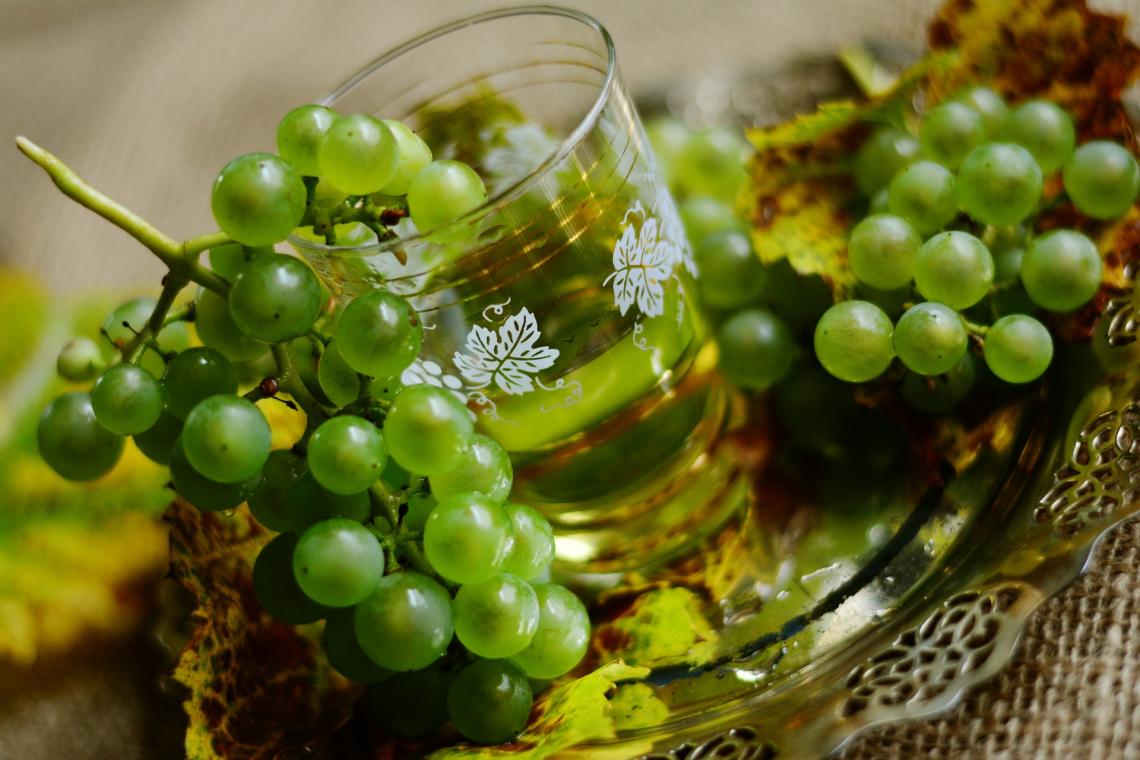 L'influenza delle bucce sulla fermentazione del vino bianco