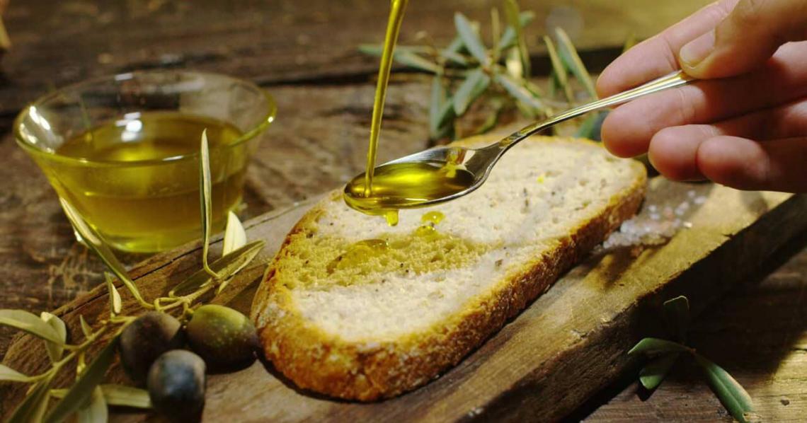 La percezione di amaro, piccante e astringenza dell'olio extra vergine d'oliva nel tempo