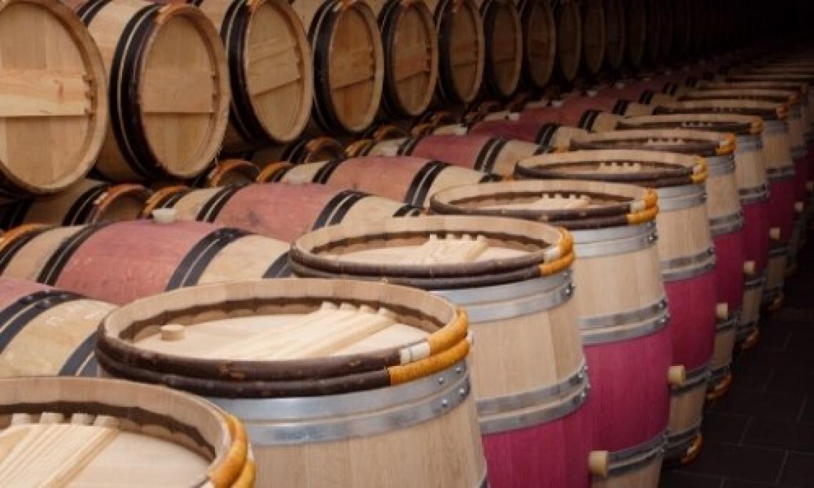 L'utilizzo di doghe di rovere per migliorare i vini rossi a breve invecchiamento